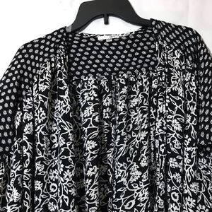 Amuse Society Sweaters - Amuse Society black floral cardigan